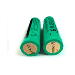 2PCS 4000mAh 18650 UltraFire Cells (Rechargeable button top Li-ion with PCB protection)